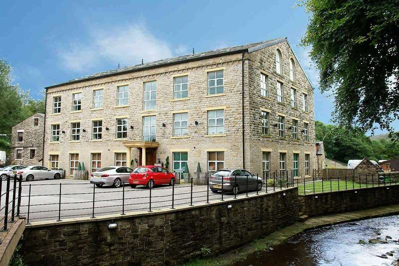 2 Bedrooms Flat for sale in Slackcote Hall, Delph, Saddleworth