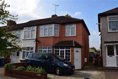 3 Bedrooms Terraced House for sale in Whitefriars Avenue, Harrow Weald