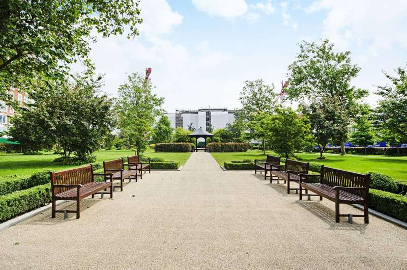 3 Bedrooms Flat for sale in Beaufort Park, Colindale, NW9