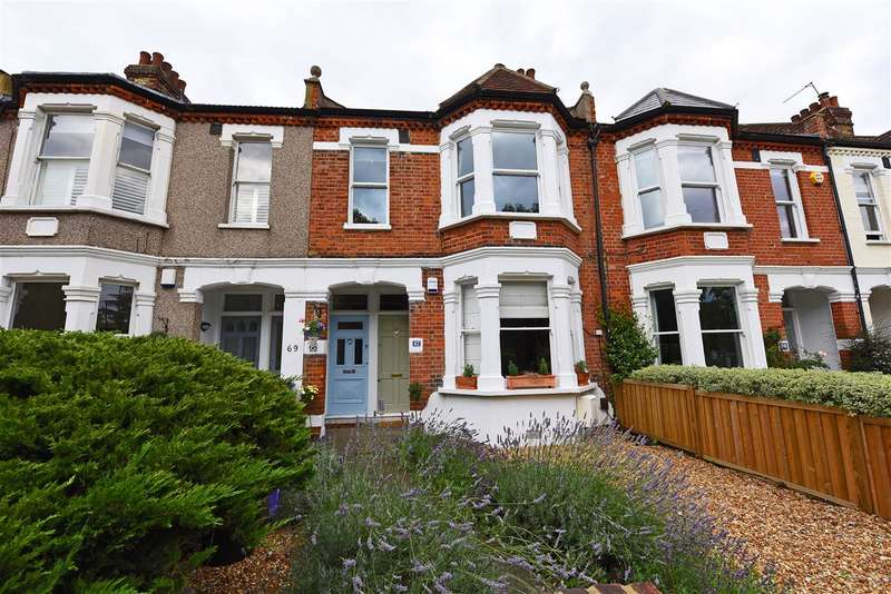 4 Bedrooms Maisonette Flat for sale in Trinity Road, Wimbledon