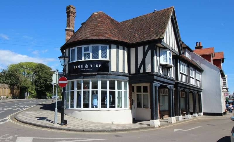 2 Bedrooms Shop Commercial for sale in High Street, Milford On Sea, FREEHOLD BUILDING