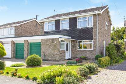 4 Bedrooms Detached House for sale in Wigmore Close, Godmanchester, Huntingdon, Uk