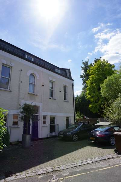 2 Bedrooms End Of Terrace House for sale in Grosvenor Park, London, London, SE5