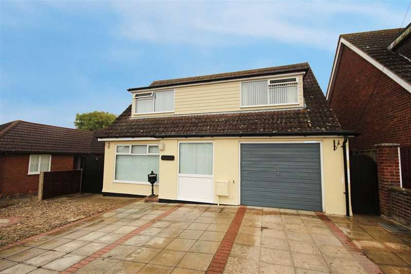 3 Bedrooms Detached House for sale in Zakura, Oakmead Road, St Osyth