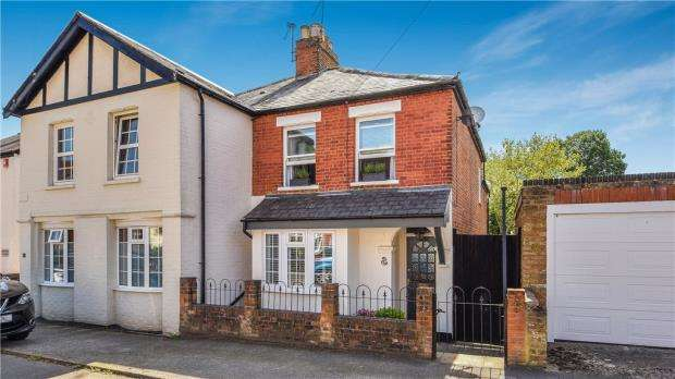 2 Bedrooms Semi Detached House for sale in Galton Road, Sunningdale, Berkshire