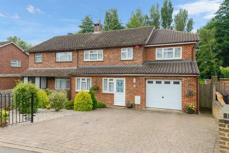 4 Bedrooms Semi Detached House for sale in Faversham Road, Kennington, Ashford, TN24