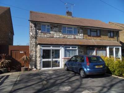 3 Bedrooms Semi Detached House for sale in Newington Ave, Southend On Sea