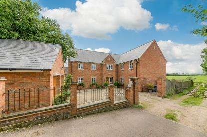 6 Bedrooms Detached House for sale in Meadow View, Stamford Road, Geddington