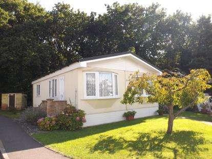 2 Bedrooms Mobile Home for sale in Fleet End Road, Warsash, Hampshire
