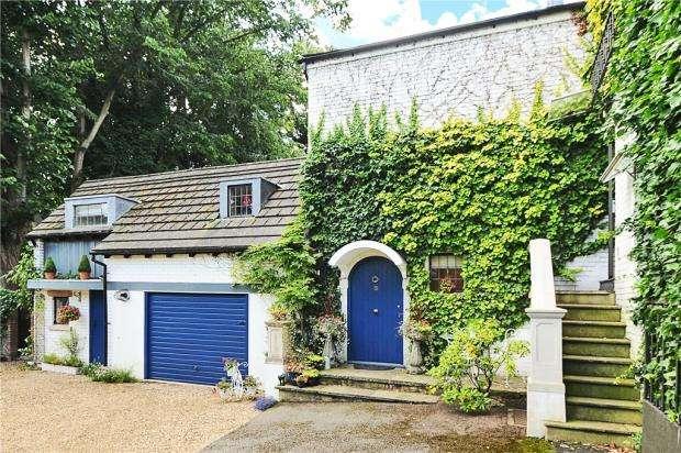 3 Bedrooms Maisonette Flat for sale in Silwood Road, Sunningdale, Berkshire