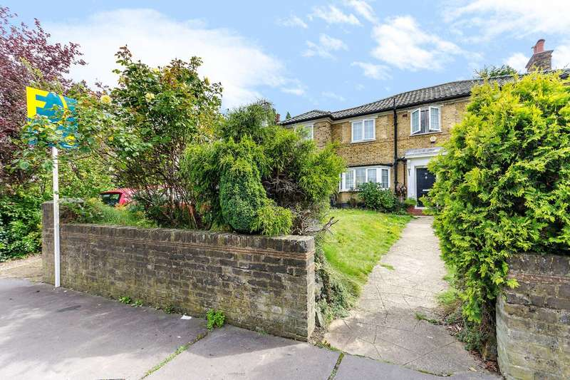 5 Bedrooms Detached House for sale in Fitzjames Avenue, Croydon, CR0