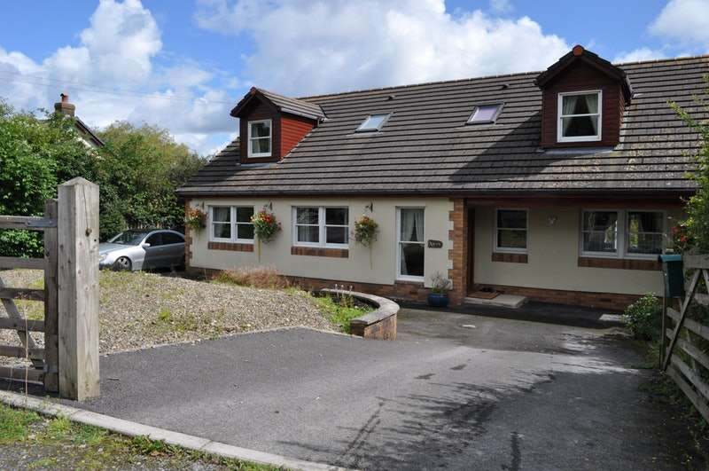 6 Bedrooms Detached House for sale in Heol Dinefwr, Llanelli, Carmarthenshire, SA14