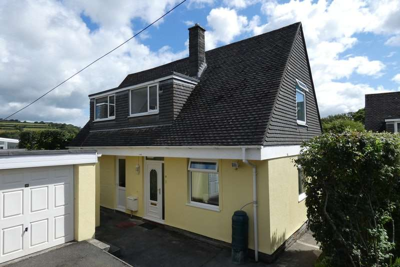 3 Bedrooms Detached House for sale in 8 Edgcumbe Road, St Austell, Cornwall, PL25