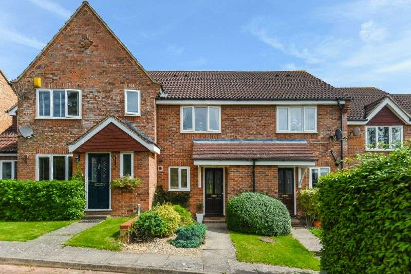 2 Bedrooms Terraced House for sale in Thellusson Way, Rickmansworth, Hertfordshire, WD3