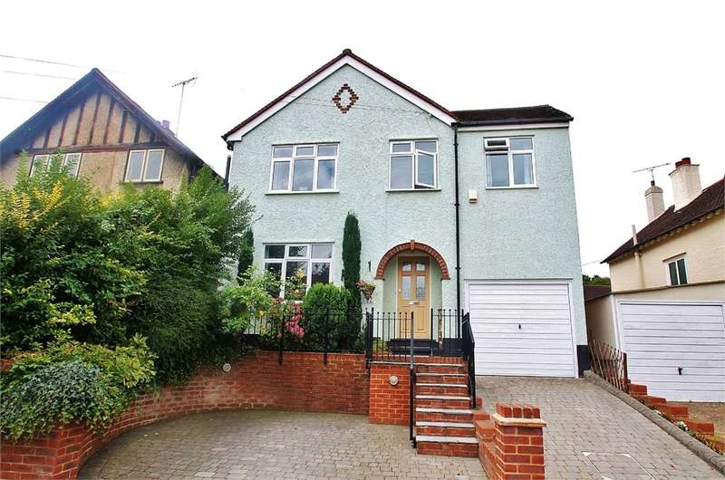 4 Bedrooms Detached House for sale in High Beech Road, LOUGHTON