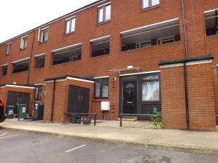 2 Bedrooms Flat for sale in Stoneycroft Close, Lee, London, .