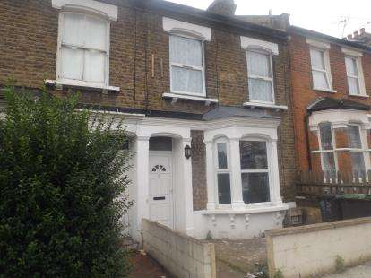3 Bedrooms Terraced House for sale in St. Loy's Road, London
