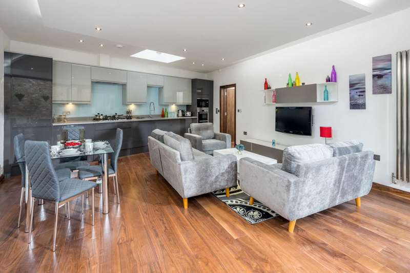 2 Bedrooms Flat for sale in Duchess Drive, Plaistow, London, E13 www.samsonhomes.co.uk/home