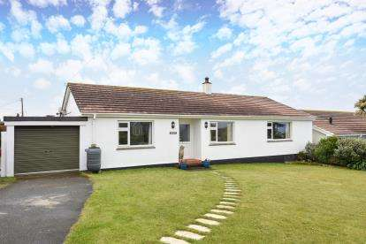 3 Bedrooms Bungalow for sale in Sennen, Penzance, Cornwall