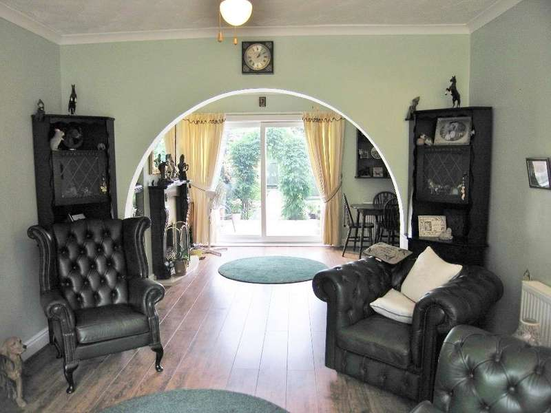 3 Bedrooms House for sale in Bricknell Avenue, HULL, HU5 4QQ