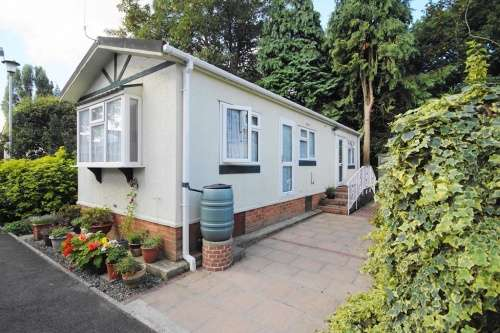 1 Bedroom Park Home Mobile For Sale In Doveshill Bournemouth