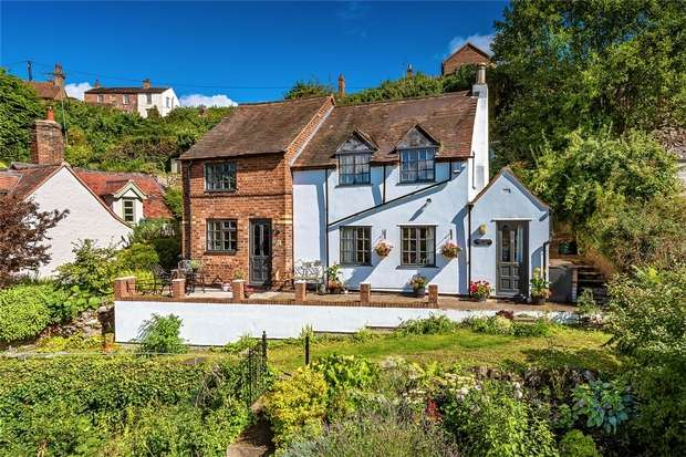 3 Bedrooms Cottage House for sale in Slippy Alley Cottage, 8 Chapel Road, Ironbridge, Shropshire