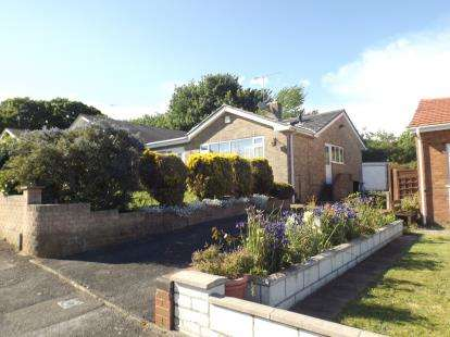 2 Bedrooms Bungalow for sale in Branksome, Poole, Dorset