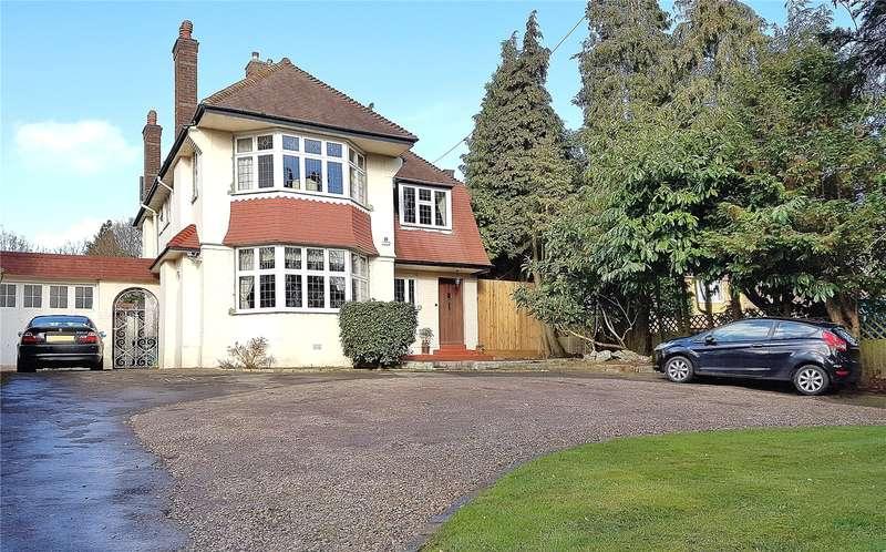 4 Bedrooms Detached House for sale in Barnet Road, Arkley, Hertfordshire, EN5