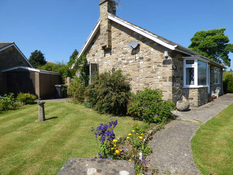 2 Bedrooms Detached Bungalow for sale in 2 Cliff Drive, Leyburn