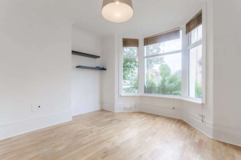 1 Bedroom Flat for sale in St Mary Road, Walthamstow Village, E17