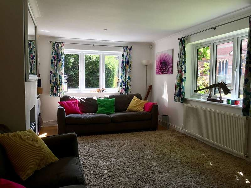 3 Bedrooms Detached House for sale in Bishop Court, Maidenhead, Berkshire, SL6 4EX