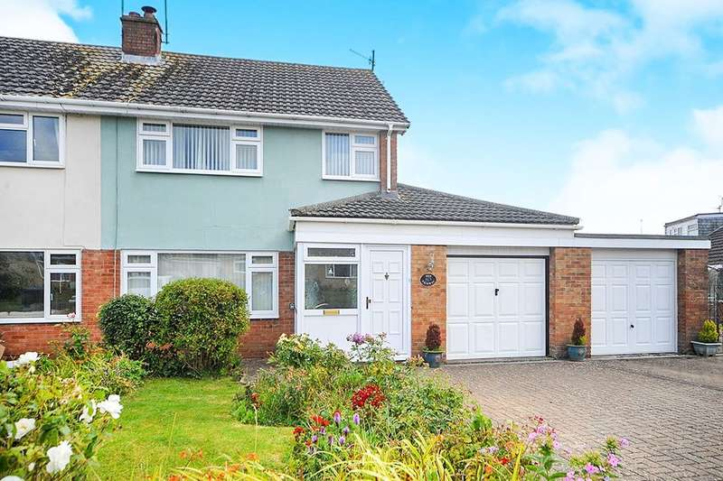 3 Bedrooms Semi Detached House for sale in Fairway, Calne, SN11