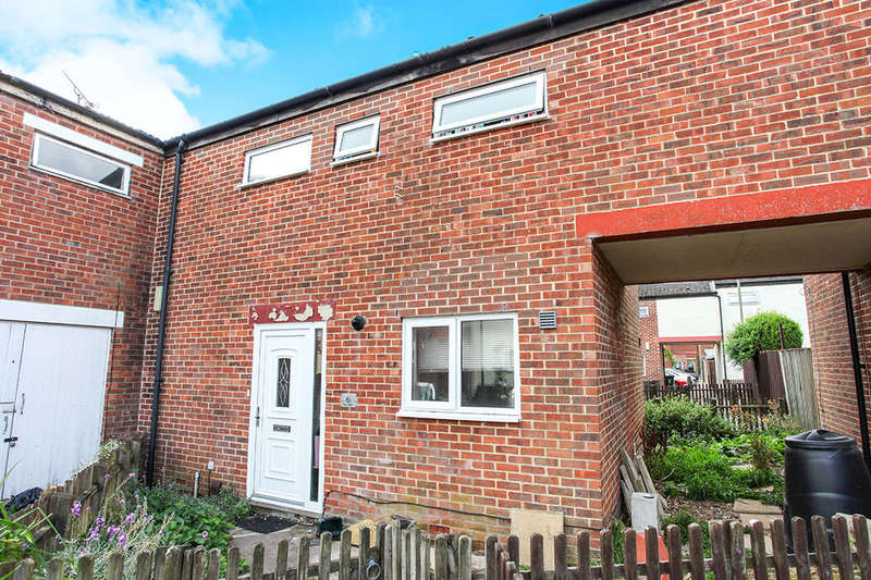 4 Bedrooms Property for sale in Clyde Court, Andover, SP10