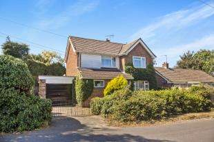 3 Bedrooms Detached House for sale in Bewsbury Cross Lane, Whitfield, Dover, Kent