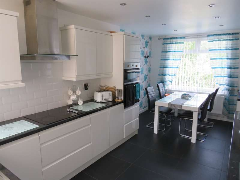 3 Bedrooms Semi Detached House for sale in Moira Terrace, Ogmore Vale, Bridgend