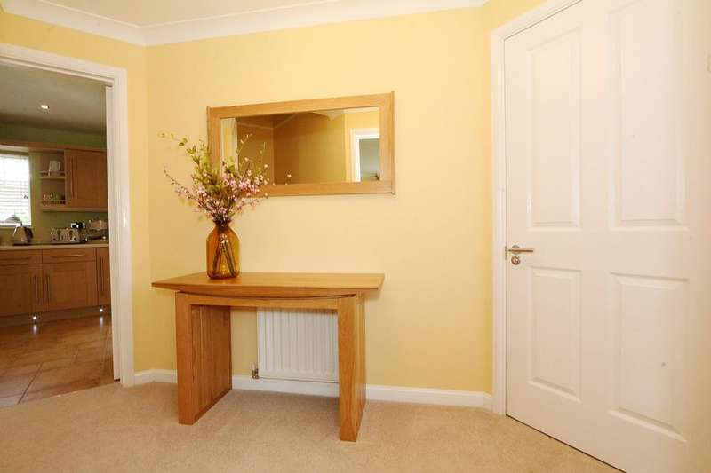 4 Bedrooms Detached House for sale in Westminster Oval, Norton, Stockton-on-Tees, Durham, TS20 1UX
