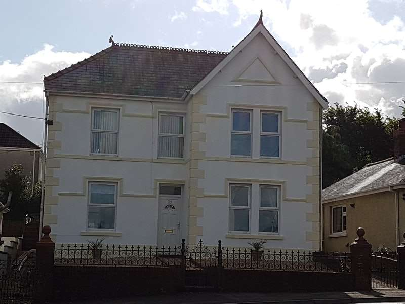 4 Bedrooms Detached House for sale in Ammanford Road, Ammanford, Swansea, SA18