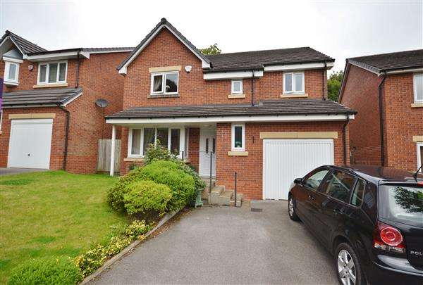 4 Bedrooms Detached House for sale in County Close, Whittle Le Woods, Chorley