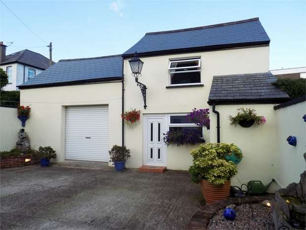 3 Bedrooms Detached House for sale in The Roddens, Larne, County Antrim