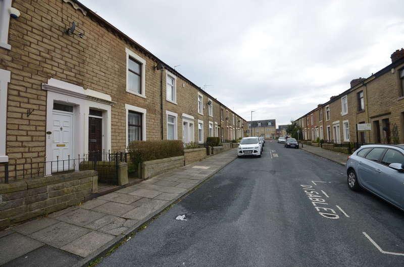 2 Bedrooms Terraced House for sale in Walmsley Street, Darwen