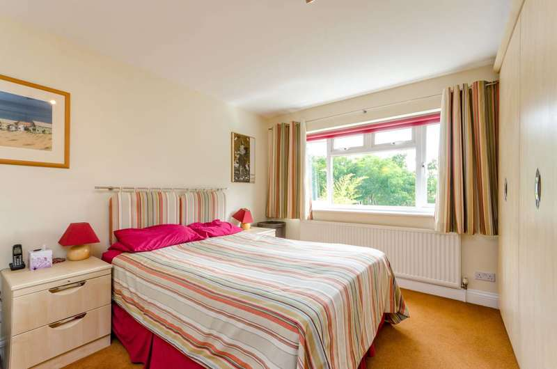 4 Bedrooms House for sale in Lawrie Park Gardens, Sydenham, SE26