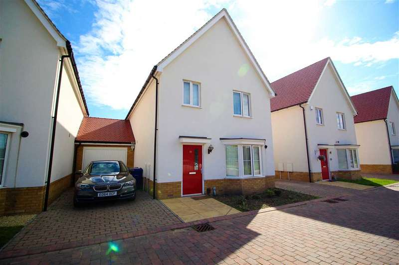 4 Bedrooms Detached House for sale in Woodside Close, Woodside