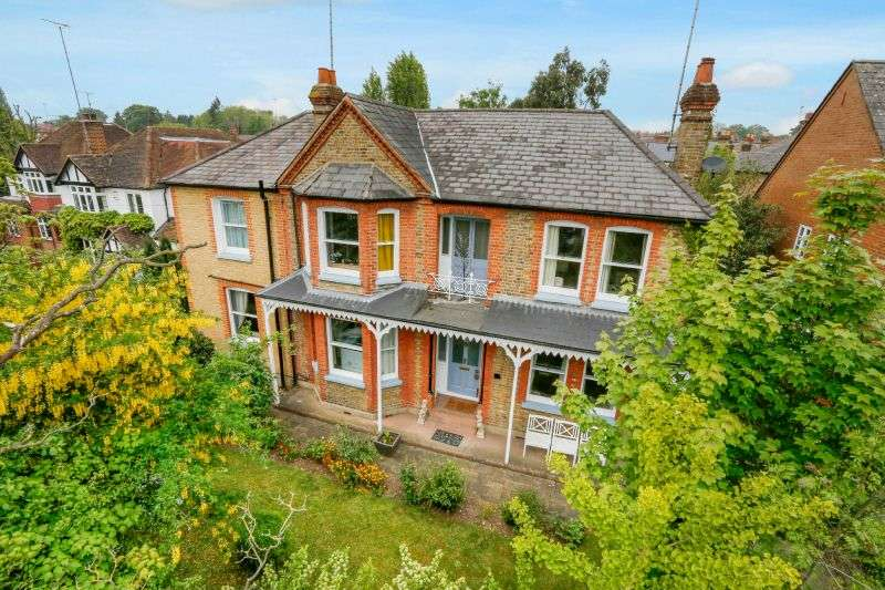 5 Bedrooms Detached House for sale in Uxbridge Road, Rickmansworth, Hertfordshire, WD3