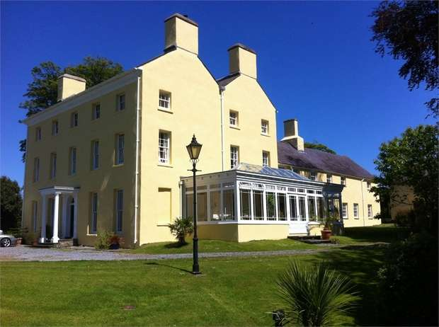 14 Bedrooms Country House Character Property for sale in Uplands, Uplands, Carmarthen