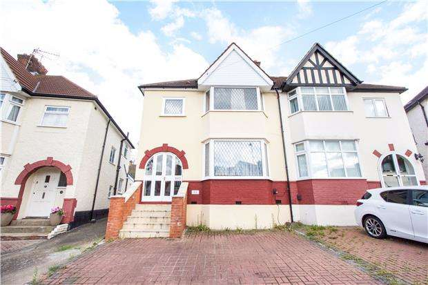3 Bedrooms Semi Detached House for sale in Hillside, KINGSBURY, NW9 0NE