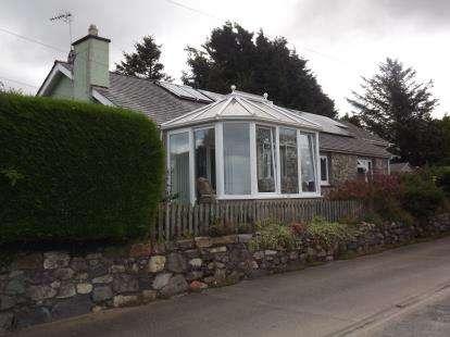 3 Bedrooms Bungalow for sale in Waunfawr, Caernarfon, Gwynedd, LL55