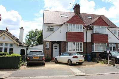 5 Bedrooms Semi Detached House for rent in The Meadow Way, Harrow Weald