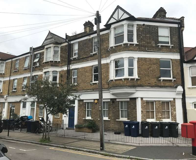 2 Bedrooms Apartment Flat for sale in Wells House Road, Park Royal, London, NW10 6ED