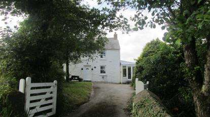 4 Bedrooms Detached House for sale in Wendron, Helston, Cornwall