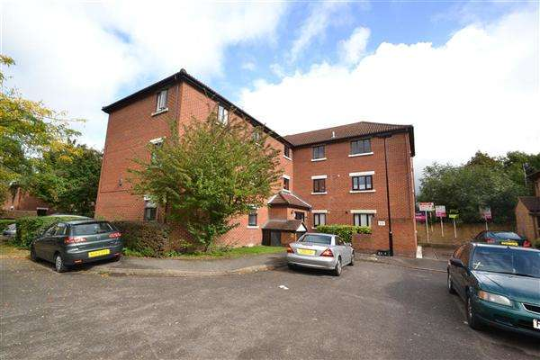 2 Bedrooms Apartment Flat for sale in Tawny Close, Feltham